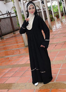 arabian style whte black