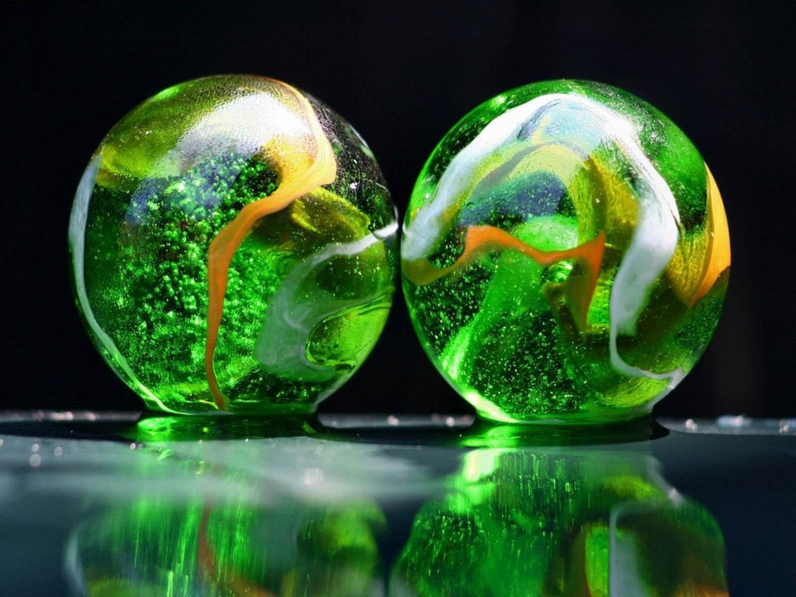 wallpapers: Glass Balls Desktop Backgrounds