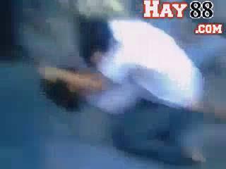 Clip: Nữ sinh mặc đồng phục đánh nhau ở Yên Bái ? 3