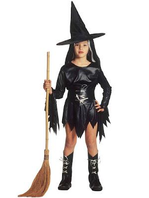 Hekse kostume i sort med hat til