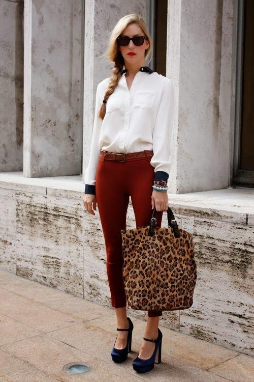 Escotes excesivos, vestidos muy cortos o ropa muy reveladora, van en la dirección opuesta de la elegancia y el buen gusto. Una mujer puede ser sensual sin