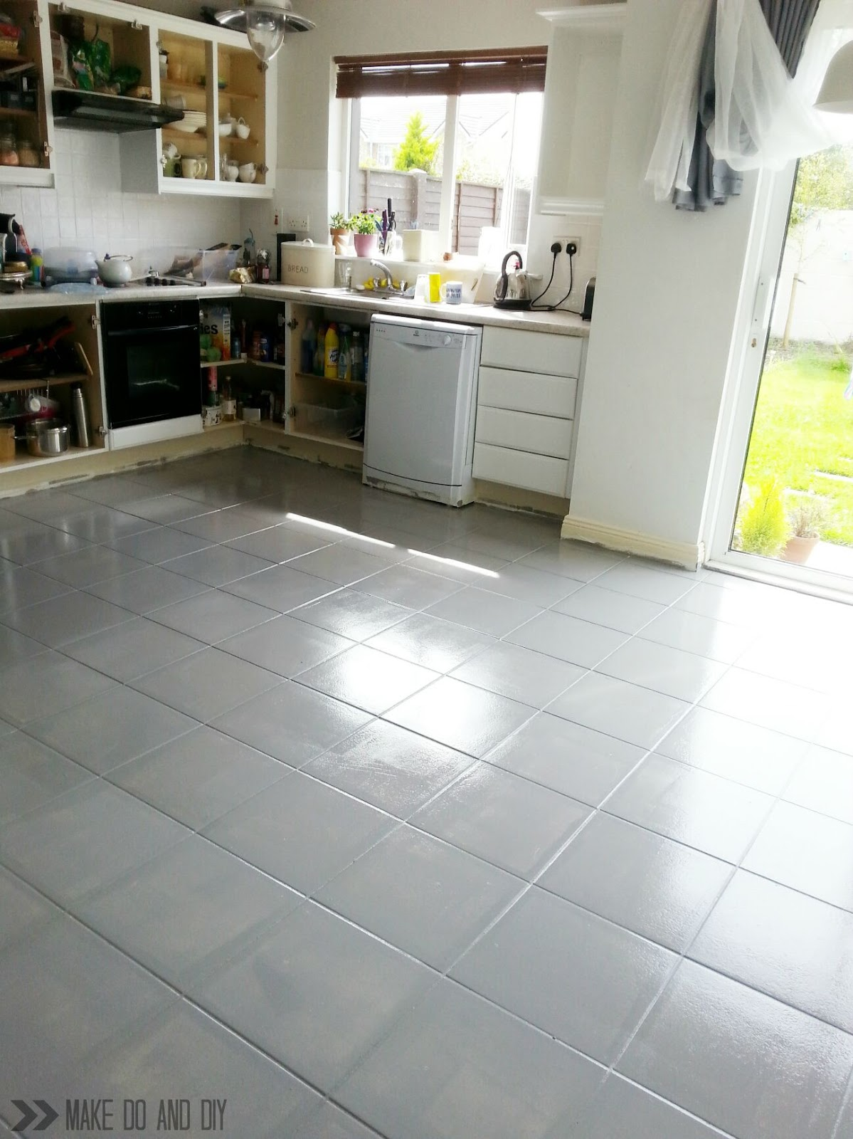 painted tile floor-no really! ~ Make Do and DIY