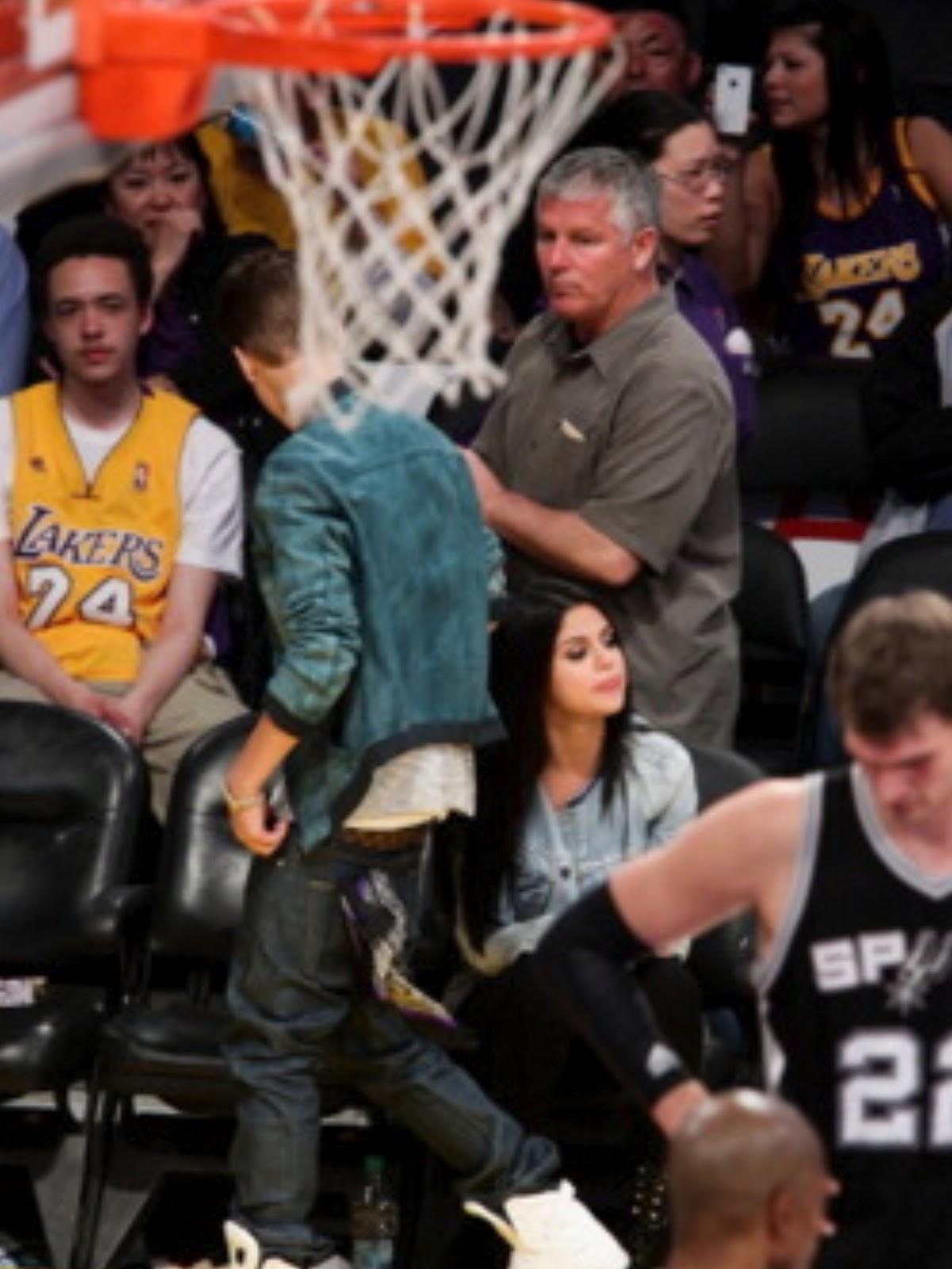 Selena gomez whiplash san diego