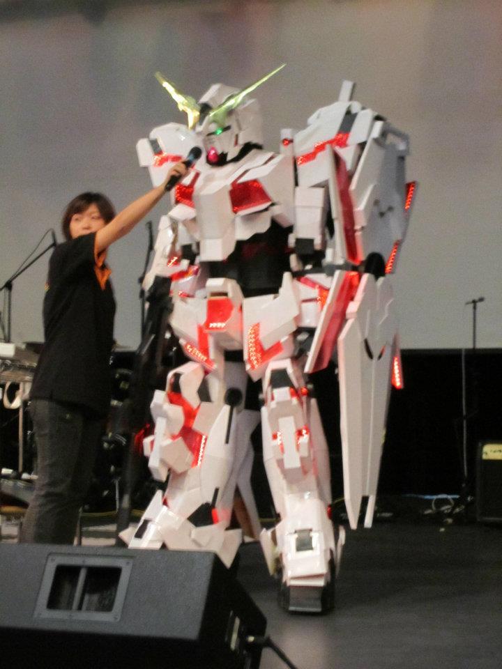 Gundam Meisters: Gundam Cosplay: Gundam Unicorn