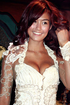 Foto+hot+kebaya+Agnes+Monica