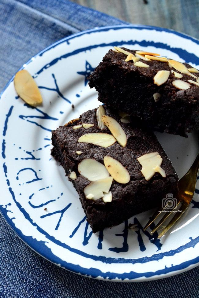 Brownies Panggang Ketan Hitam