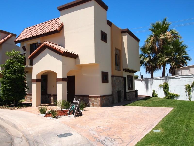Fachadas mexicanas y estilo mexicano fachada de casa for Casas modernas mexicanas