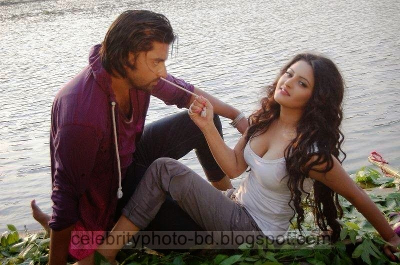 Top+New+Bangladeshi+Model+and+Actress+Pori+Moni's+Latest+Photos+and+Wallpapers001