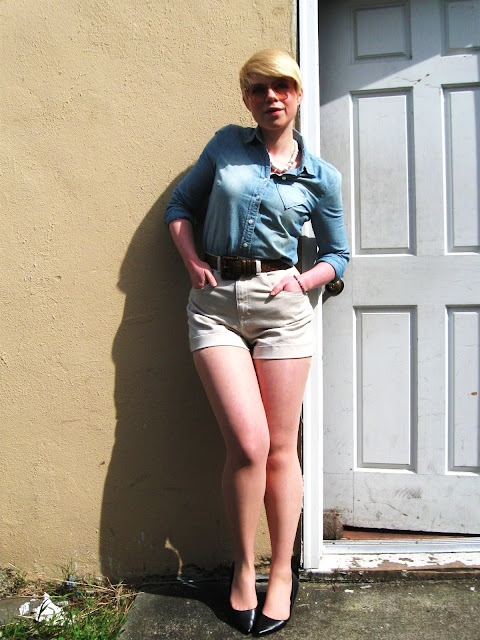 Seattle, American Apparel, denim shorts, chambray, j.crew, street style, spring fashion, blonde, catie beatty