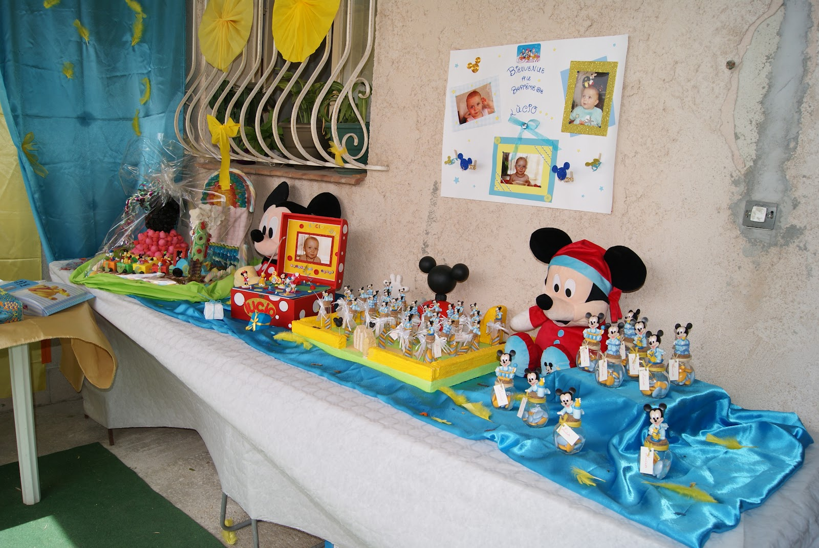 deco de bapteme mickey table de lit. Black Bedroom Furniture Sets. Home Design Ideas