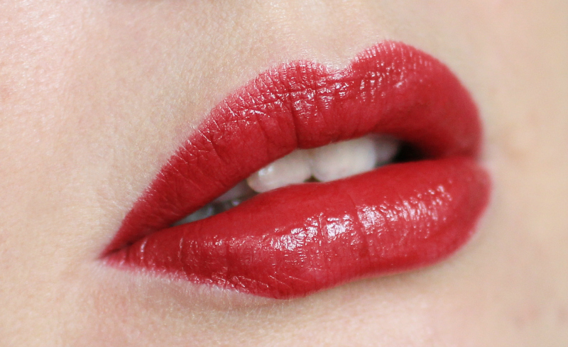 oriflame Colour Stylist lipstick Red Haute Couture