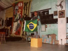 O PROTESTO DE UM BRASILEIRO (IN) FELIZ