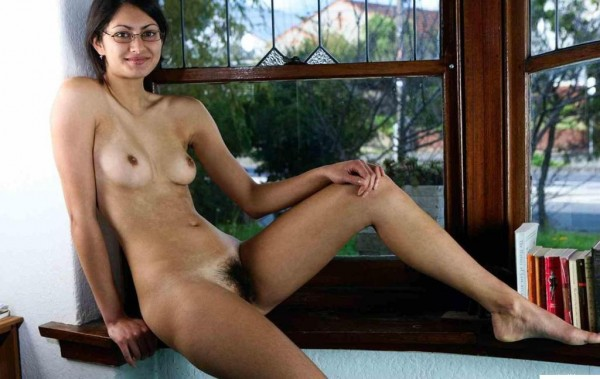 Sexy Indian Slim Girl Gauri Removing Her Dress To Show Small Boobs And Hairy Pussy indianudesi.com