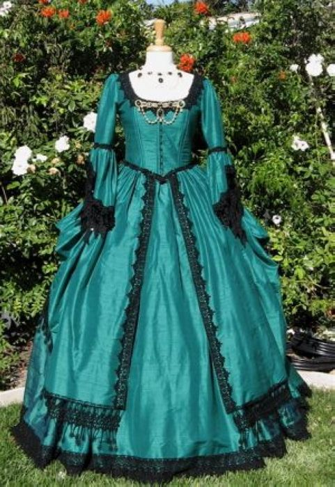 Green Ball Gown Gothic Victorian Dress