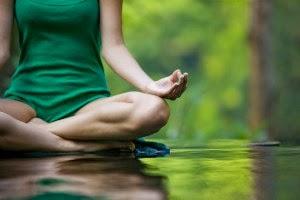 Menghilangkan stres dengan melakukan yoga