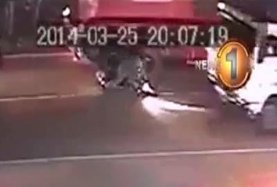 Motociclista aplastado