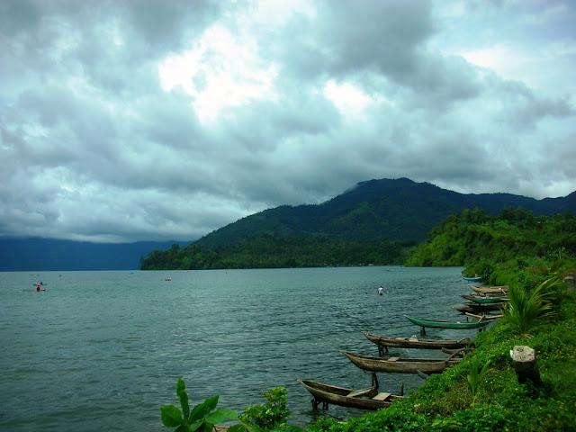 Danau Ranau Lampung Barat