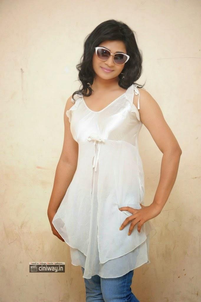 Actress-Shweta-Latest-Photos