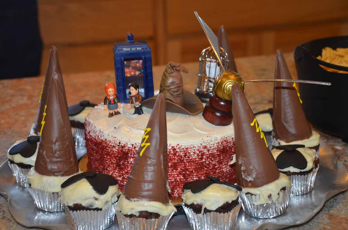 harry potter and dr who cake
