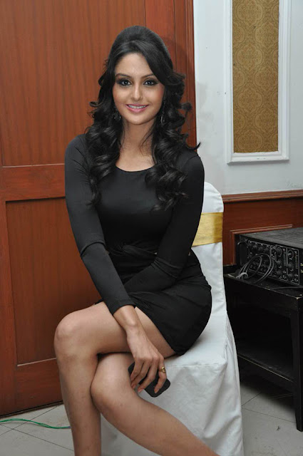 Gowri Sharma Sexy Thigh Stills