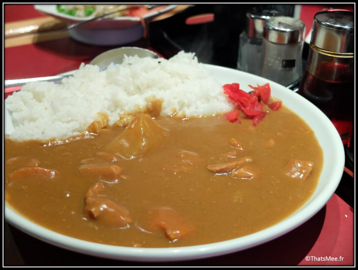 Resto Sapporo rue Sainte Anne Paris, gastronomie plat traditionnel thai curry riz