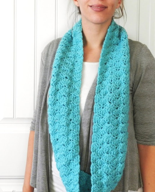 blue crochet infinity scarf