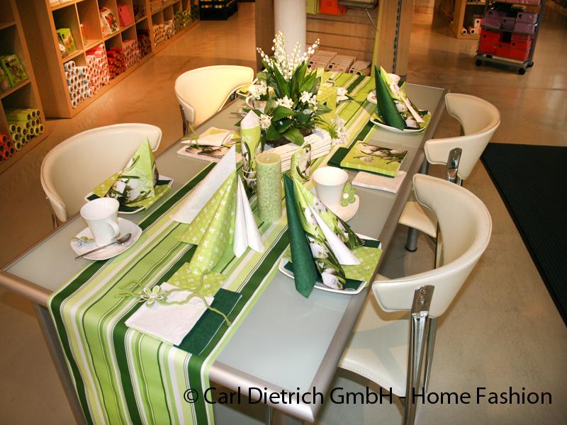 Home fashion be different - Servietten falten modern ...