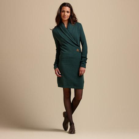 Como combinar un vestido verde oscuro