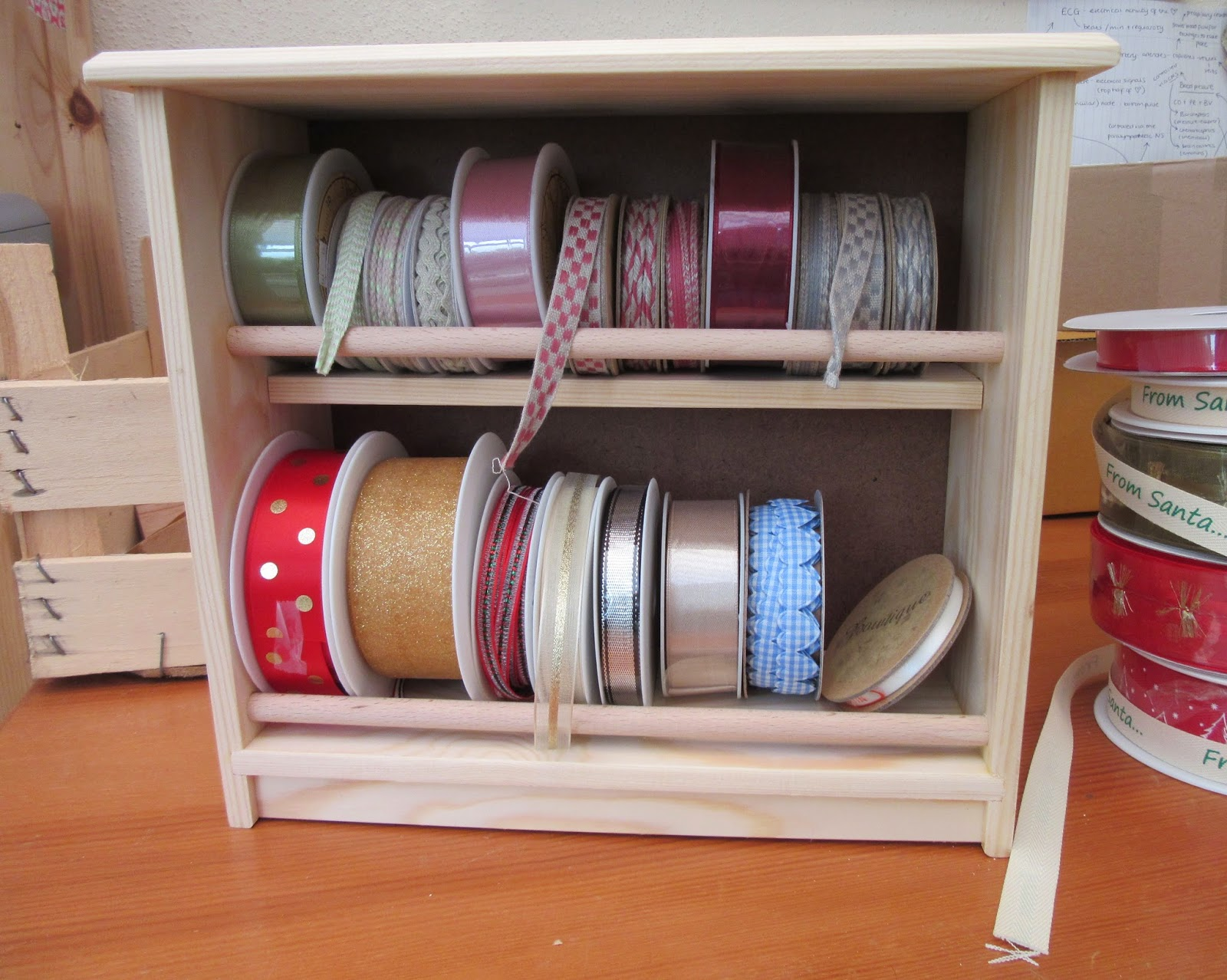 Two-tier wooden Ribbon Rack
