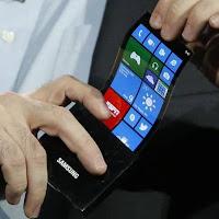 Smartphone Samsung com tela flexível