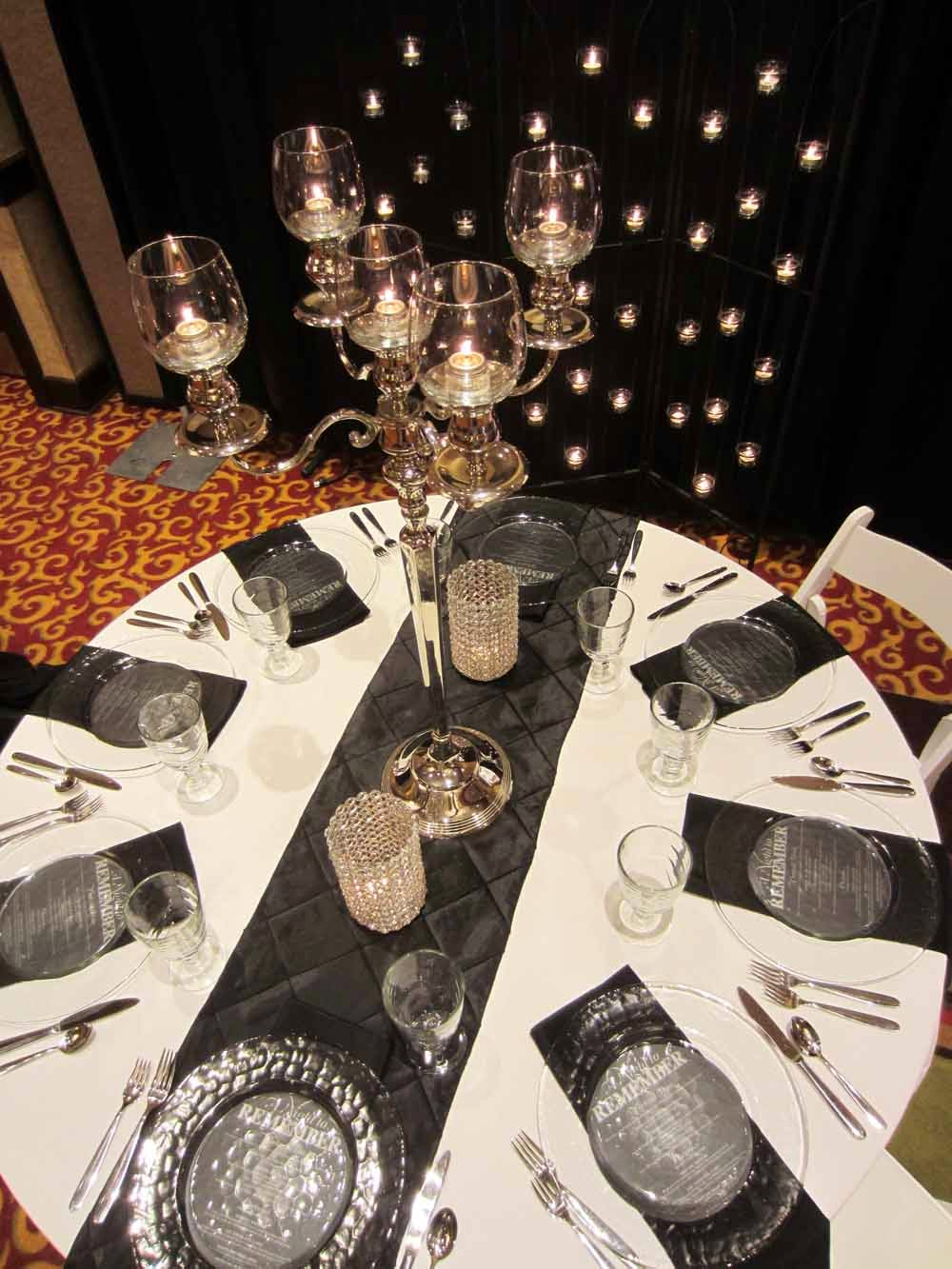 table Look: and Wedding Black Get Elite wedding Gatsby Events canada   runners The  White Rental