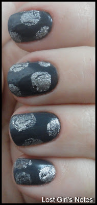 crackle circles mani