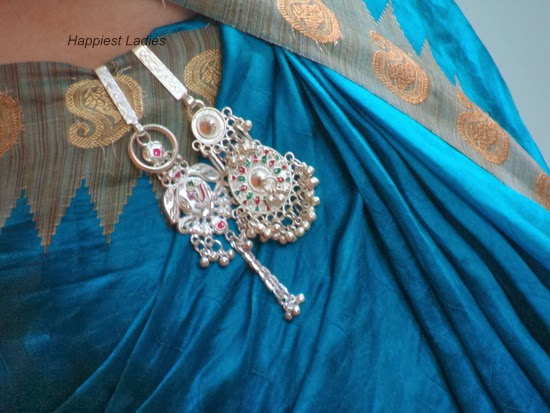 how to wair saree key chain