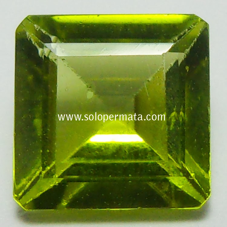 Batu Permata Yellowish Green Peridot - 02B06