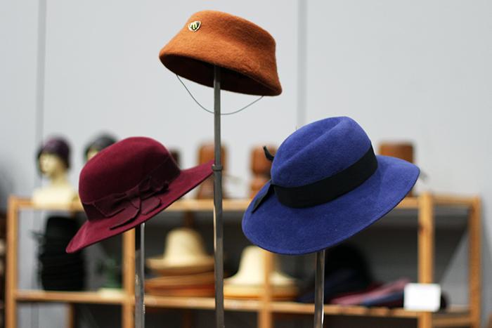 VerzamelaarsJaarbeurs 2014 vintage evening hats hoedjes hoeden beurs winkel
