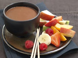 Foundue Rápido de Frutas ao Chocolate