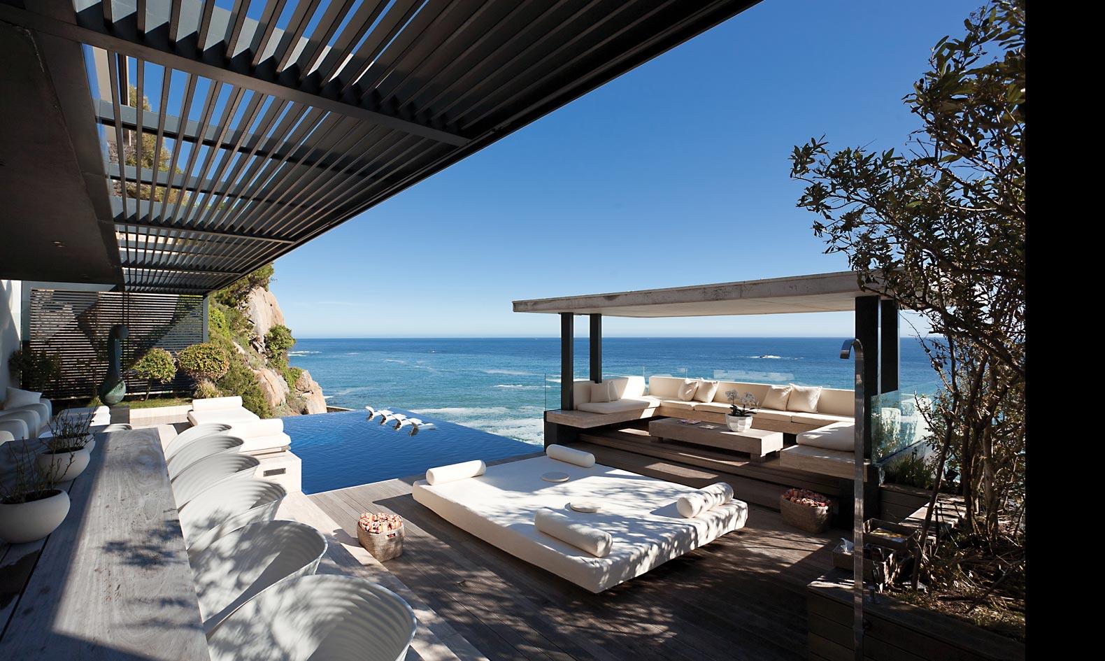 Architecture corner victoria 73 by saota for Pool designs victoria