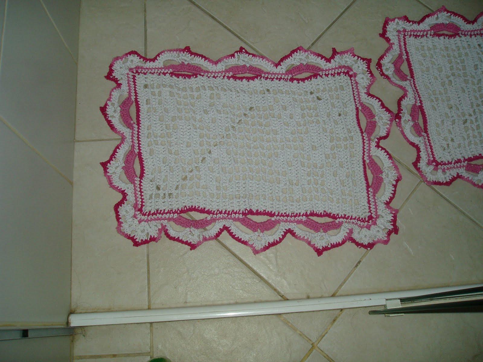 Tecendo Receitas: Jogo de banheiro em croche file branco e rosa #6E2B40 1600x1200 Banheiro Branco E Rosa