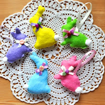 Felt Easter Rabbits