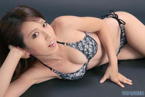 Emi Shimizu- Japanese Model
