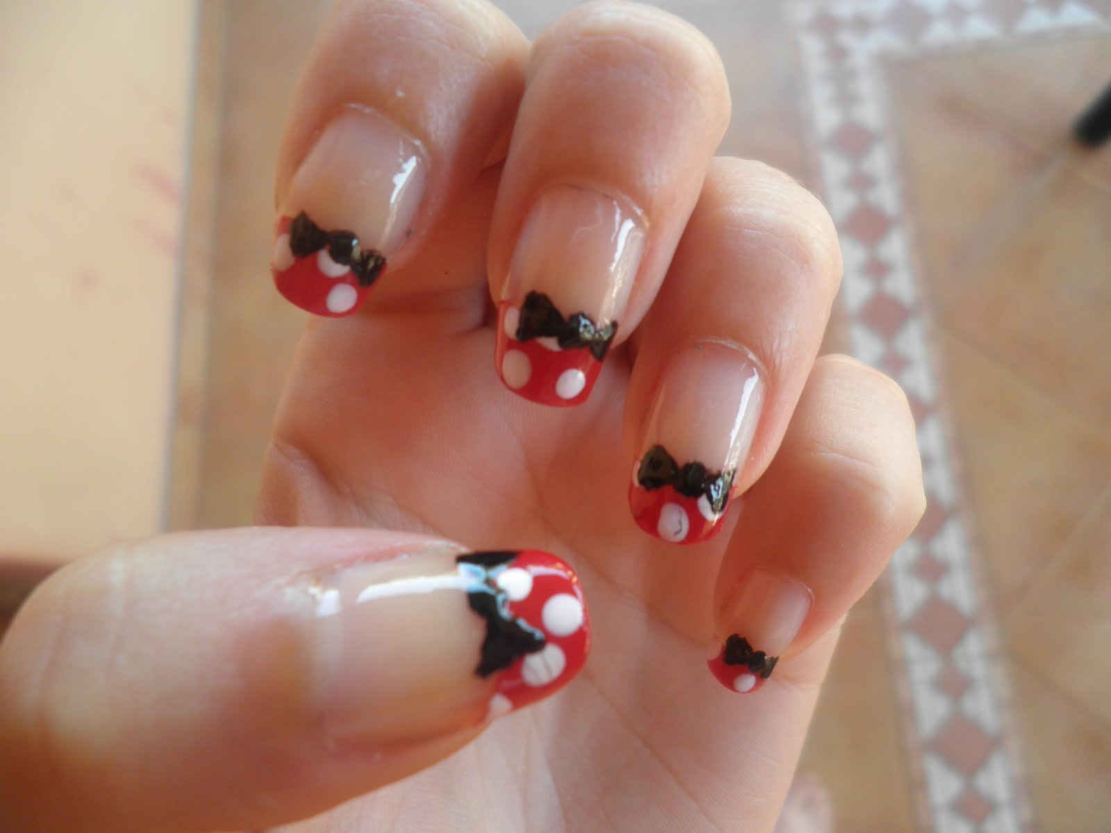mundo uñas: Minnie Mouse