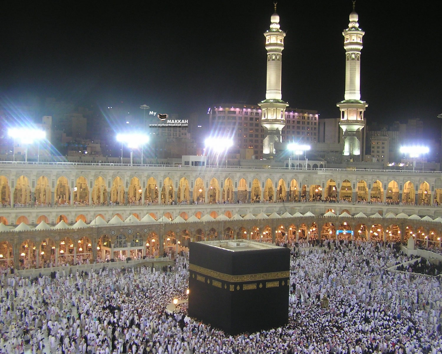 http://2.bp.blogspot.com/-gYA8fPABtJM/T-9tqQtxZaI/AAAAAAAAAcU/cLWKbt9Sq-I/s1600/PHOTO_OF_KAABA_AT_NIGHT.jpg
