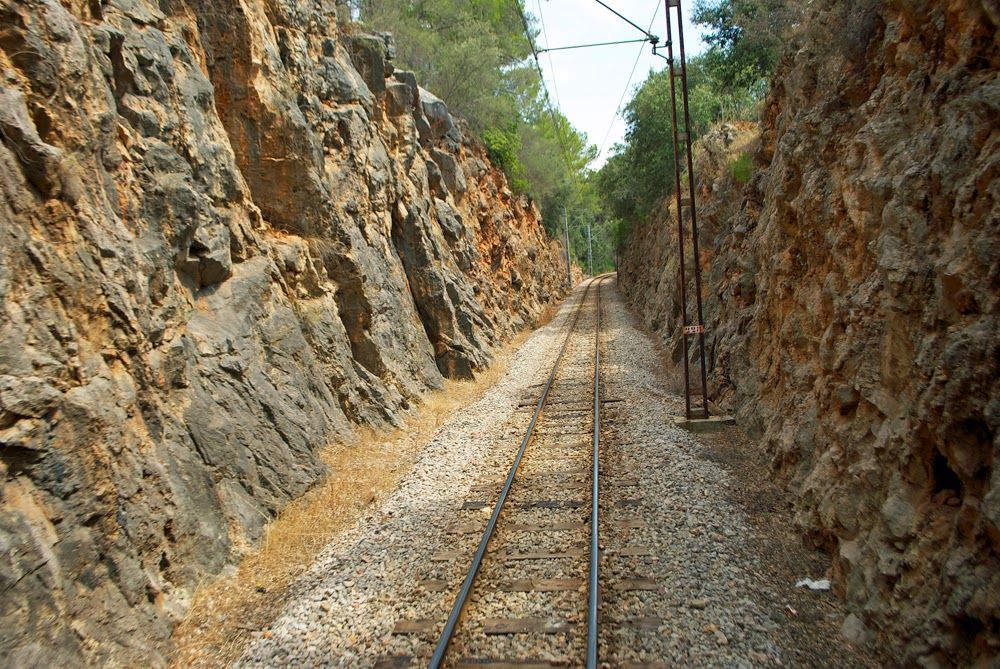 train through soller