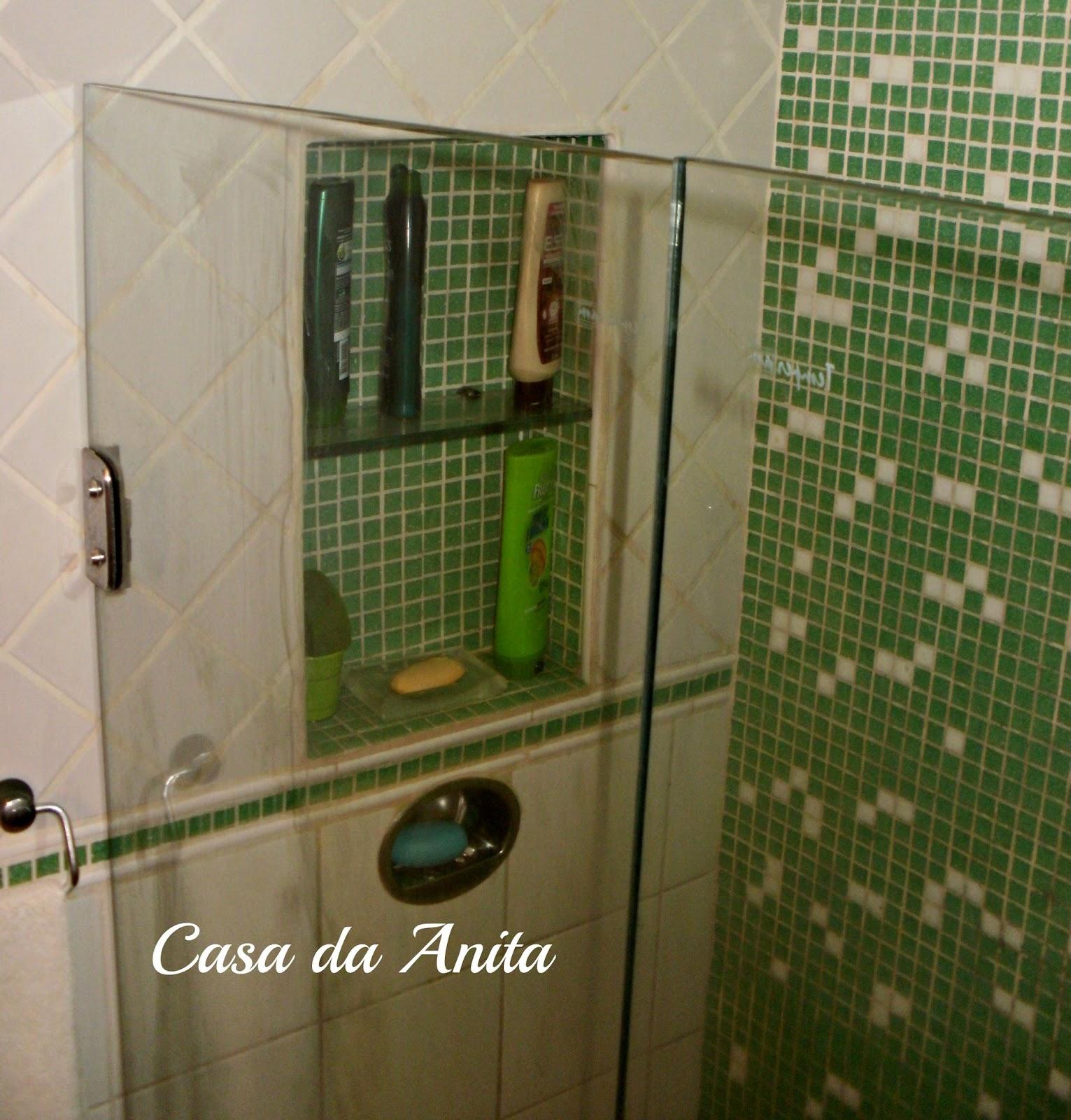 Aqui pelo espelho da pra ver o nicho dentro do box mas o banheiro é  #363E18 1531x1600 Banheiro Com Pastilha Vertical