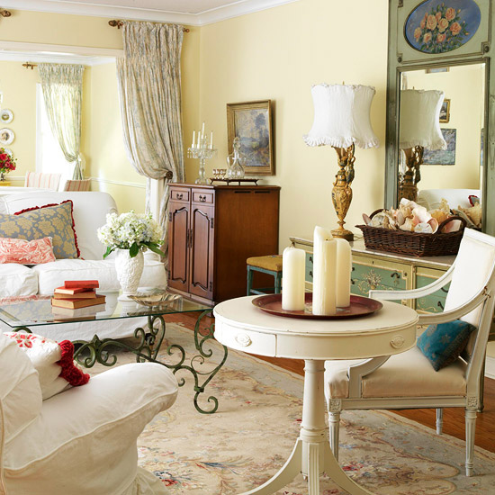 A Blend Of Character Filled Antiques Charming Flea Market Finds And Everyday Basics Outfits This Comfortable Living Room With French Flair