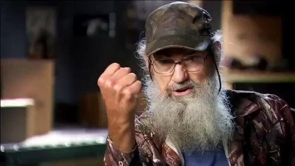 "Alot of the humor comes from the family's loveable ""Uncle Si""."