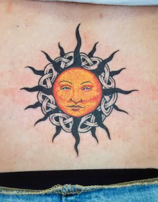Fotos de Tatuagens Femininas de Sol