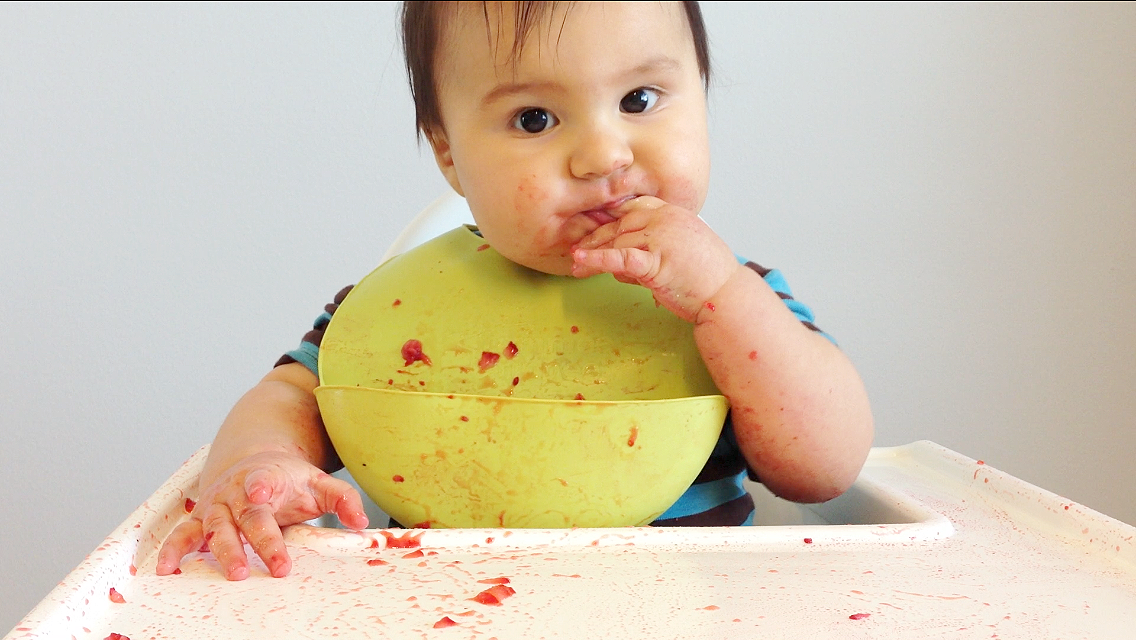 how to serve strawberries baby led weaning