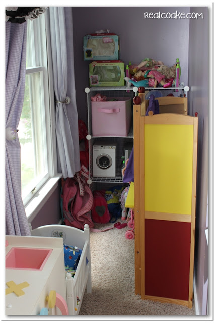 Love how great this looks and how it simplified the playroom. Easy toy storage using Rubbermaid All Access Organizers. #Organizing #Playroom #Storage #RealCoake