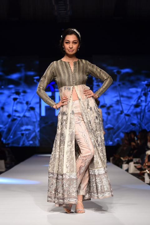 Nida Azwer, French Trellis Collection, Pakistan Fashion Week, Designer Collection, TFPW15, Telenor Fashion Pakistan Week, Spring Summer 2015, ss15, trends of 2015, fashion week, fashion show in Pakistan, Fashion addiction, Lawn season, Al Karam lawn, fashion blogger, Hot Pakistani Models, redalicerao, red alice rao, Fashion Pakistan Council, Pakistan fashion, Luxury Pret, Pret a porter
